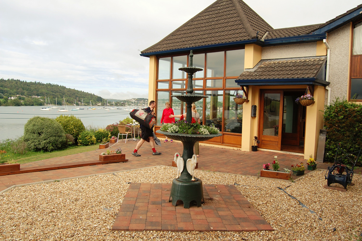 Whispering Pines Accommodation & Sea Angling Crosshaven
